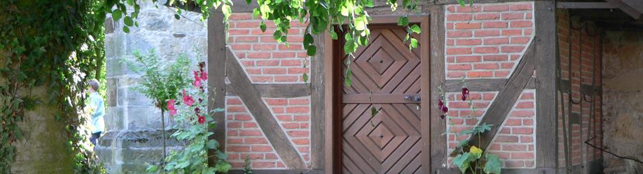Leveste Tür