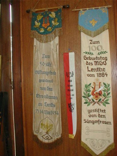 Männergesangsverein Lenthe Fahnen©Stadt Gehrden